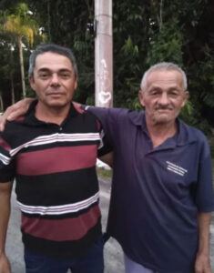Read more about the article Man Reunited With Long Lost Dad After Posting Old Snap Of Him Matured With Face Ageing App Online