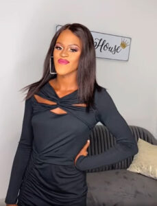 Read more about the article Woman Who Closed Social Media Accounts After Being Called Ugly Gets Amazing Makeover Transformation