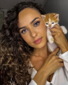 Read more about the article Fitness Influencer Shares Video Story Of Her Nursing Abandoned Kitten To Health And Happiness