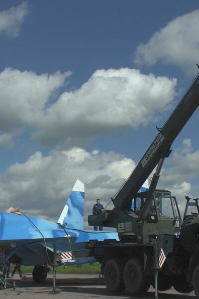 23 Ton Supersonic Russian Su 27 Fighter Jet Transported With Ease By Mi 26 Multipurpose Helicopter