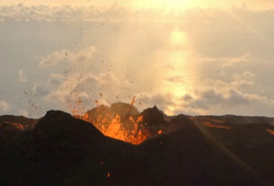 Mountain Guide Risks Life For Incredible Volcano Images